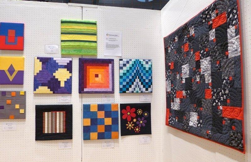 Ausstellung 'Zertifikats-Quilts' der Absolventinnen der Kursleiterausbildung der Gilde Patchworktage 2016 in Celle