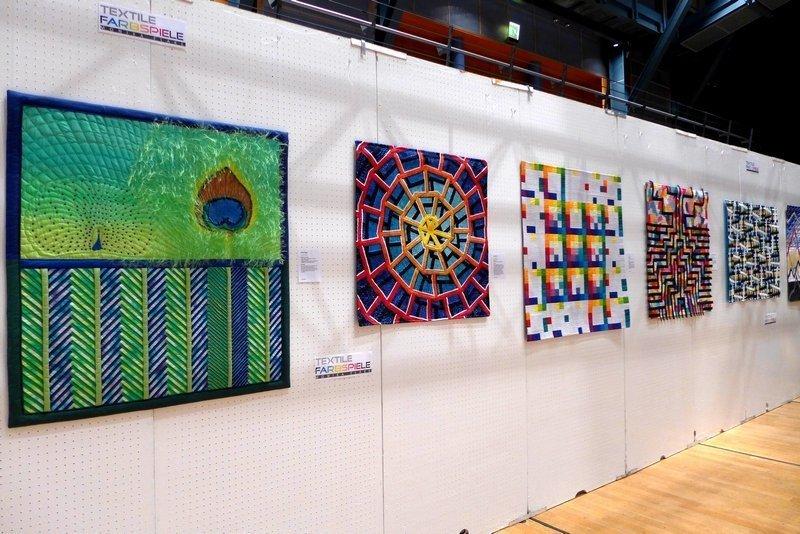 Ausstellung 'Textile Farbspiele' von Monika Flake Patchworktage 2016 in Celle