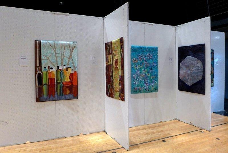 Ausstellung der SAQA 'Redirecting the Ordinary' Patchworktage 2016 in Celle