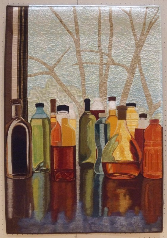 Sara Sharp: Turning Bottles Into 'Stained Glass' Ausstellung der SAQA 'Redirecting the Ordinary' Patchworktage 2016 in Celle