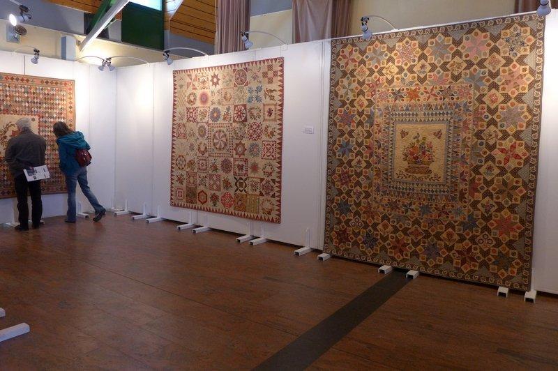 Blick in die Ausstellung von Di Ford-Hall 7. Quiltfestival Luxembourg