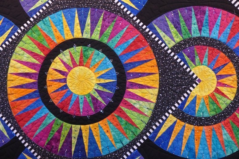 Jacqueline de Jonge: Briliant Beauties of Joy, Detail 7. Quiltfestival Luxembourg