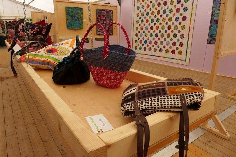 Blick in die Ausstellung der 'Quilt-Grupp Kiischpelt' 7. Quiltfestival Luxembourg