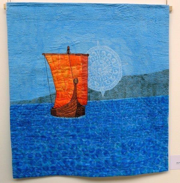 Merete Veian: walk: latitude & longitude Ausstellung von Sting Art Quilt Group (Norwegen) 7. Quiltfestival Luxembourg