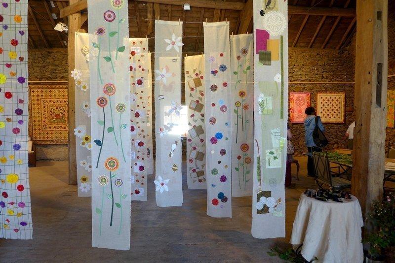 Blick in die Ausstellung 'Blumengeschichten' Gruppe 'Hesper Patchwork' 7. Quiltfestival Luxembourg