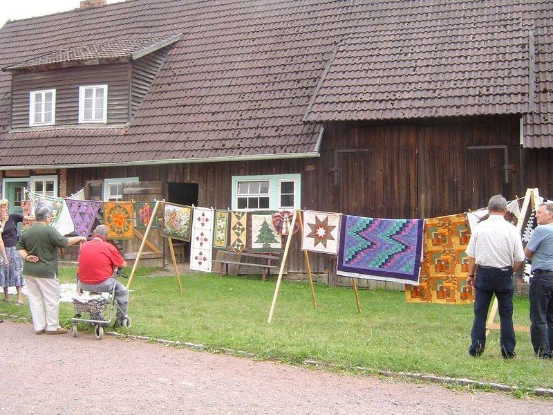 Ausstellung 'Nadel - Faden - Stoff' Foto: Regina Langbein, freundlicherweise vom Museum zur Verfügung gestellt