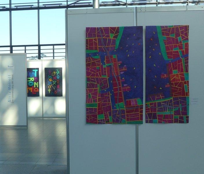 Blick in die Ausstellung von Alicia Merrett: Die Vermessung der Welt NADELWELT Karlsruhe 2016
