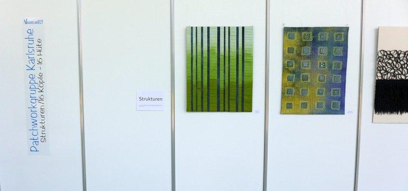 Blick in die Ausstellung der Patchworkgruppe Karlsruhe Strukturen NADELWELT Karlsruhe 2016