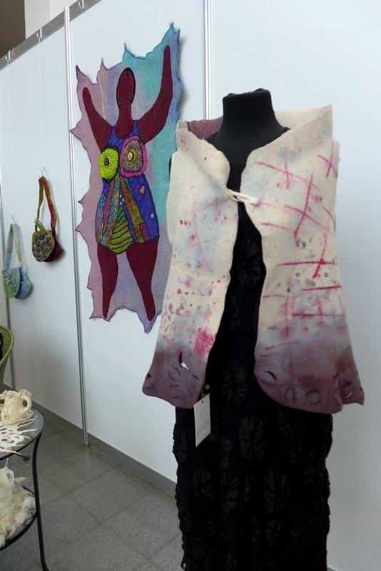 Arbeiten von Ricarda Assmann Ausstellung Frauenzimmer NADELWELT Karlsruhe 2016