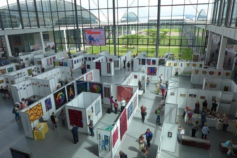 Blick ins Foyer NADELWELT Karlsruhe 2016