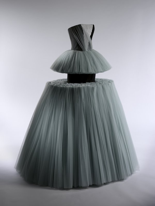 Ball Gown, Viktor & Rolf (Dutch, founded 1993), spring/summer 2010 The Metropolitan Museum of Art, Purchase, Friends of The Costume Institute Gifts, 2011 (2011.8) © The Metropolitan Museum of Art, by Anna-Marie Kellen