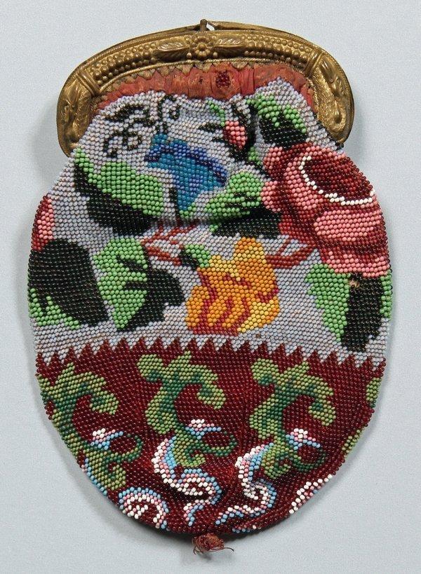 Portemonnaie in Perlstickerei mit floralen Ornamenten, Ende 19./Anfang 20. Jahrhundert. Copyright: Historisches Museum Olten