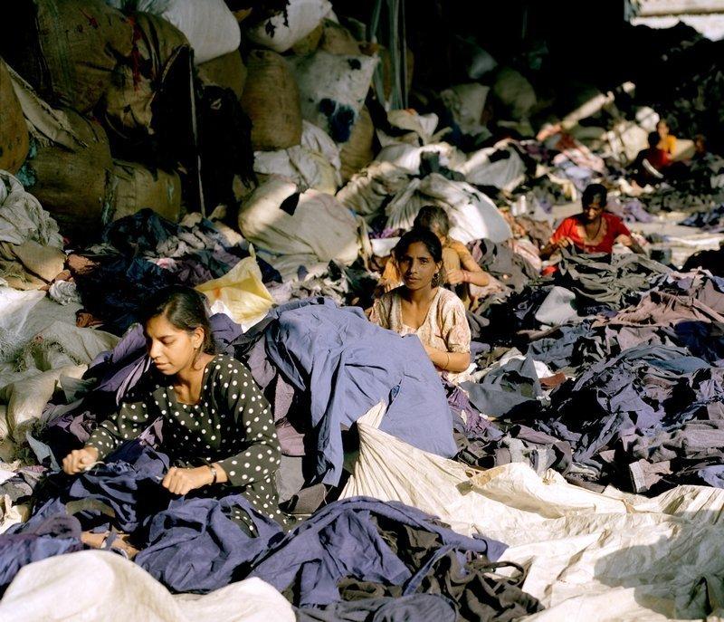 Clothing Recycled Foto: Tim Mitchell, 2005 Foto freundlicherweise vom Textilmuseum St. Gallen zur Verfügung gestellt.