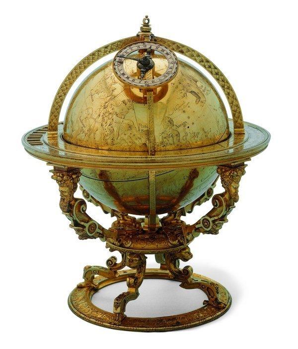 Jost Bürgi (1552–1632), Hilmmelsglobus, sogenannter Bürgiglobus Kassel, 1594 Messing, vergoldet, H 25,5 cm, Dm. Kugel 14,2 cm Schweizerisches Nationalmuseum, Zürich, Inv.-Nr. LM-59000.1-2 Foto freundlicherweise vom Schweizerischen Nationalmuseum zur Verfügung gestellt.