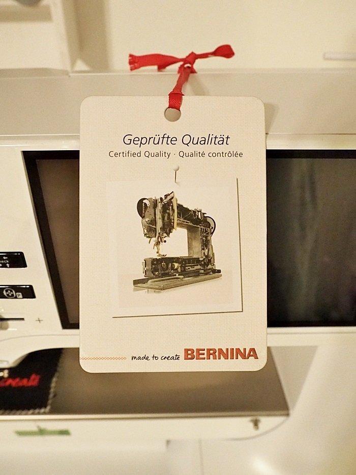 Die neue BERNINA 700 Stickmaschine - wir packen aus » BERNINA Blog
