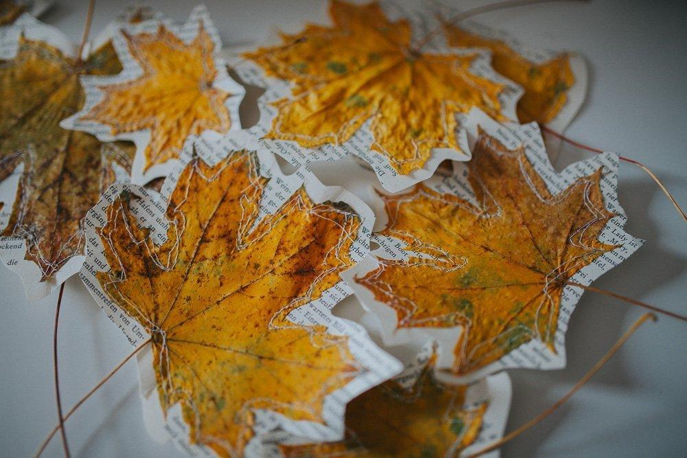 Einfache bl tter herbstdekoration mit dem bernina bsr for Herbstdekoration 2016