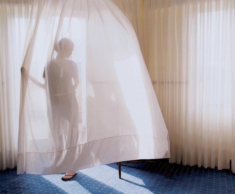 Aino Kannisto: Aino Kannisto, Untitled (Translucent Curtain) 2002, C-Print, Aluminium, 90 x 113 cm courtesy: Galerie m Bochum © Aino Kannisto, courtesy: Galerie m Bochum