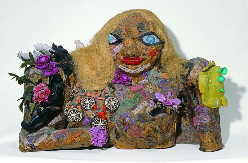 Niki de Saint Phalle: Marilyn 1964 Objekte, Farbe, Wolle auf Maschendraht Niki Charitable Art Foundation, Santee © 2016 Niki Charitable Art Foundation. All rights reserved.