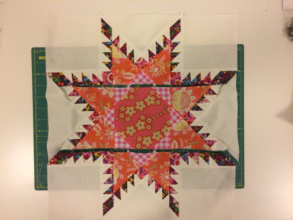 Bernina Medallion Quilt - Radiant Star - Andrea Kollath (23)