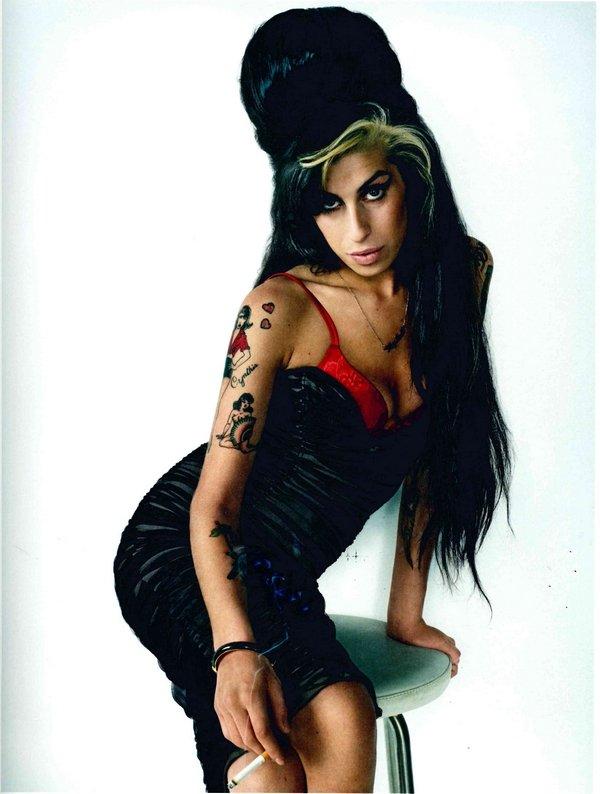 Marc Hom – Amy Winehouse London, 2007, C-Print, 128,2 x 96,7 cm © Marc Hom, veröffentlicht in: Blenda Magazine, 2007 Courtesy der Künstler