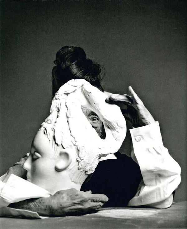 Marc Hom - Louise Bourgeois, New York 1998 Silbergelatineprint. 117 x 90 cm © Marc Hom, veröffentlicht in W. 1998 Courtesy der Künstler