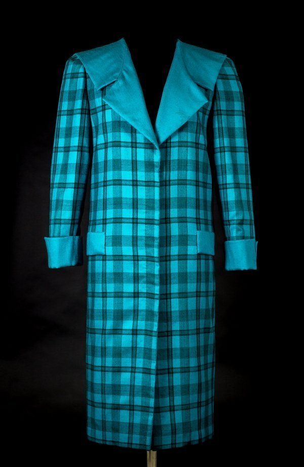 Daytime blue tartan suit by Emanuel © Historic Royal Palaces Foto freundlicherweise von Historic Royal Palaces zur Verfügung gestellt