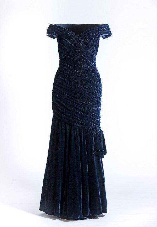 'Travolta-Dress' von Edelstein © Historic Royal Palaces Foto freundlicherweise von Historic Royal Palaces zur Verfügung gestellt