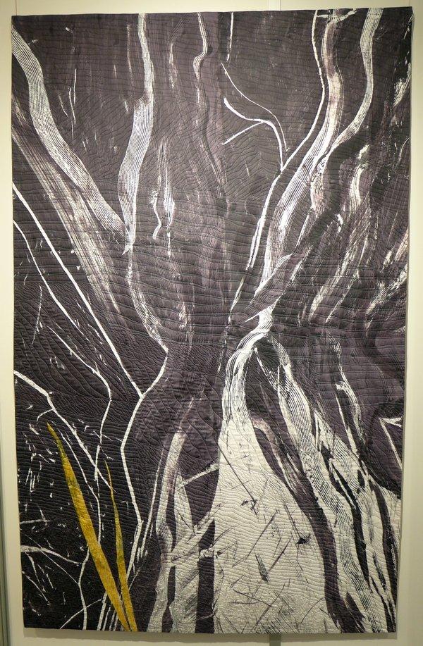 Ann Johnston: Nevadan Orogeny Ausstellung 'The Contact' beim 22. Europäischen Patchwork Treffen, Ste Marie-aux-Mines (F) 2016 Foto: Gudrun Heinz