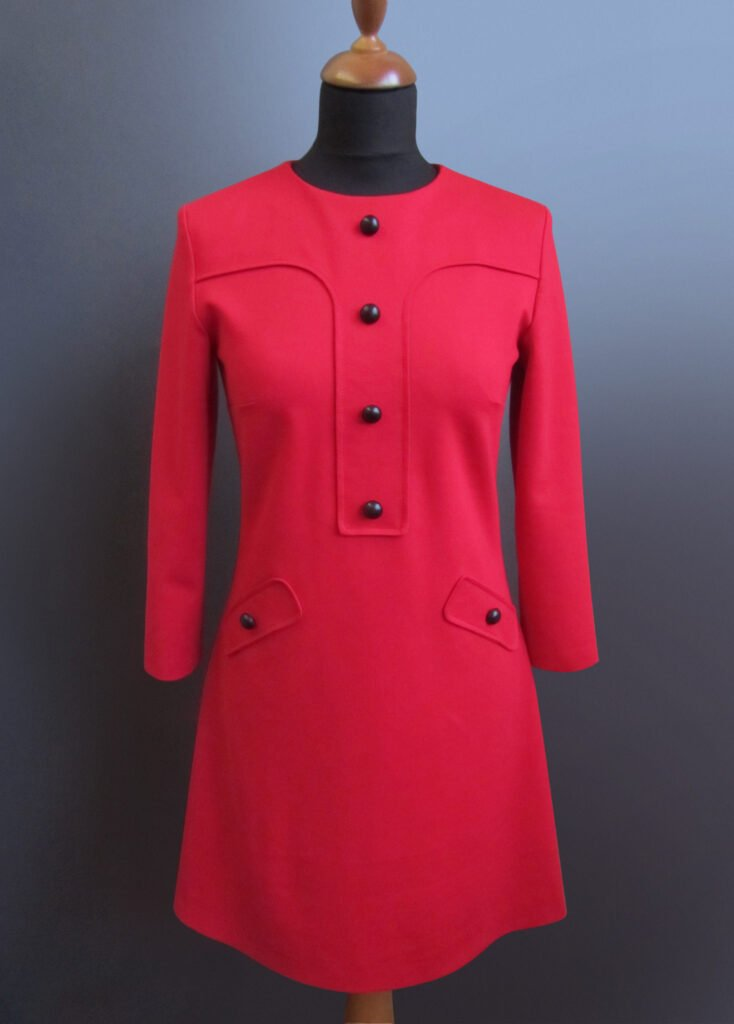 Free sewing pattern for the retro-style red dress » BERNINA Blog