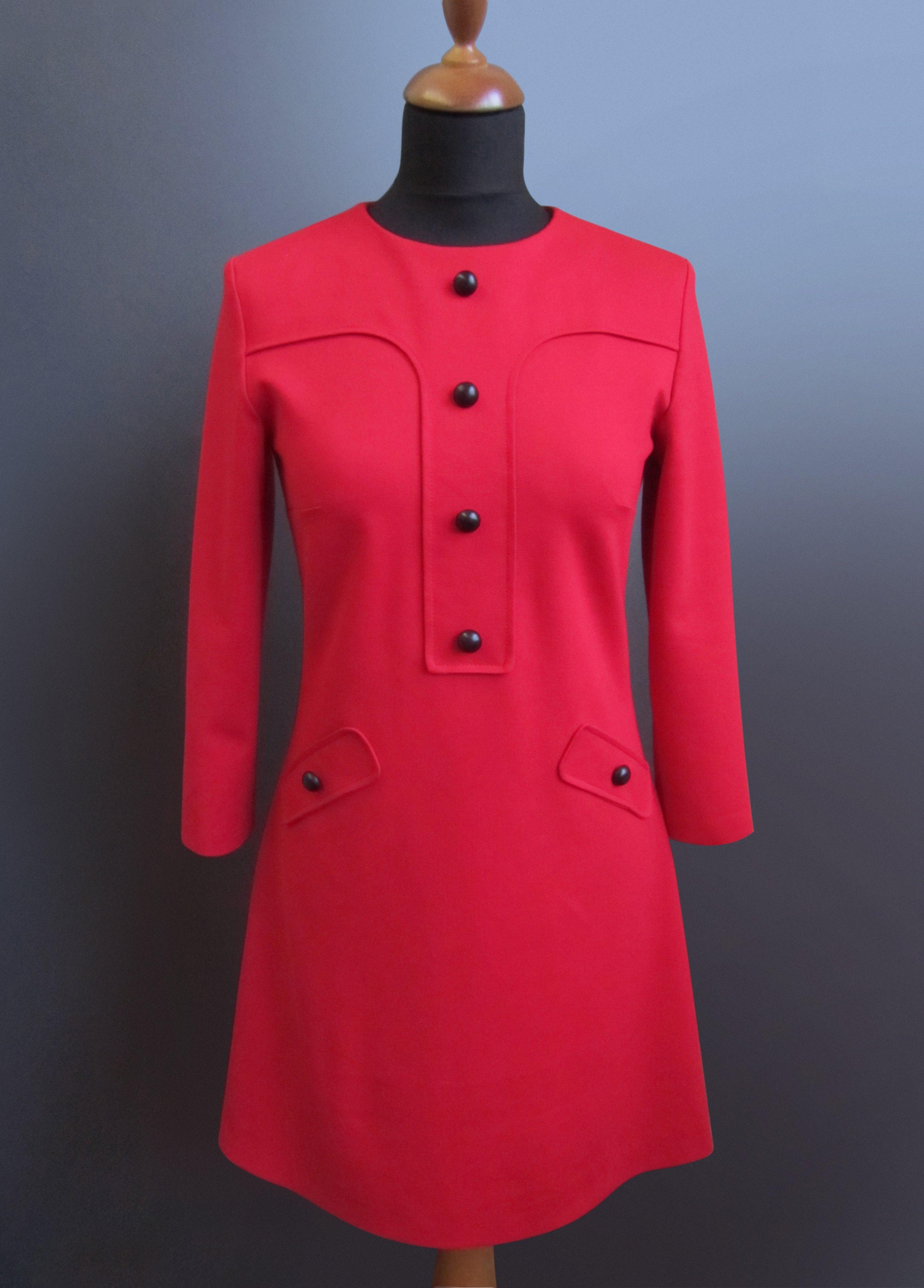 Nähanleitung und Schnittmuster für ein rotes Kleid