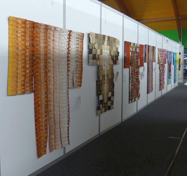 Blick in die Ausstellung von Pia Welsch 'Erleuchtung in einem einzigen Laut'