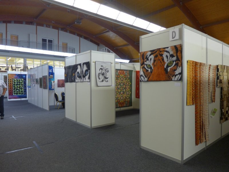 Ausstellungsrundgangvorn: Sylwia Ignatowska: Oczy duszy - Ziglony