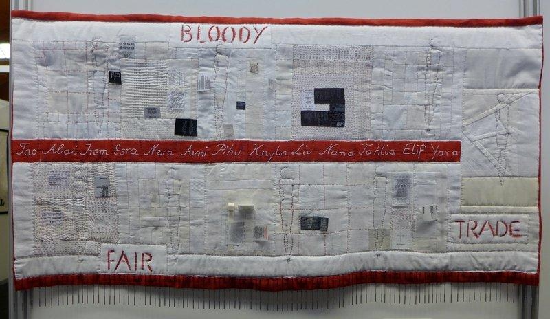 Johanna Spaethe (Deutschland): bloody trade Ausstellung 'Stoff zum Nachdenken'