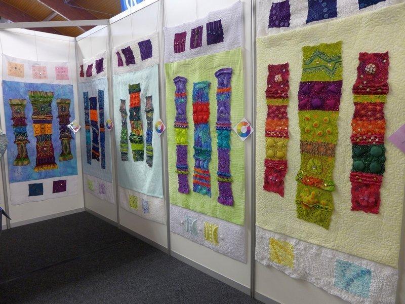 Blick in die Ausstellung 'Colour Wheel', präsentiert von Pia Welsch