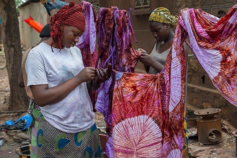 Auftrennen der Reservierung Ausstellung 'Dames de Couleurs' Foto: Patricia Gérimont, freundlicherweise vom Veranstalter zur Verfügung gestellt