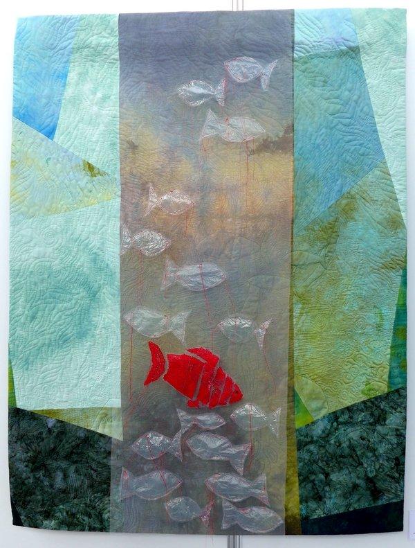 Martina Hilgert-Vervoort: Gefangen II Ausstellung 'Von Fischen, die in Räumen schweben' NADELWELT 2017