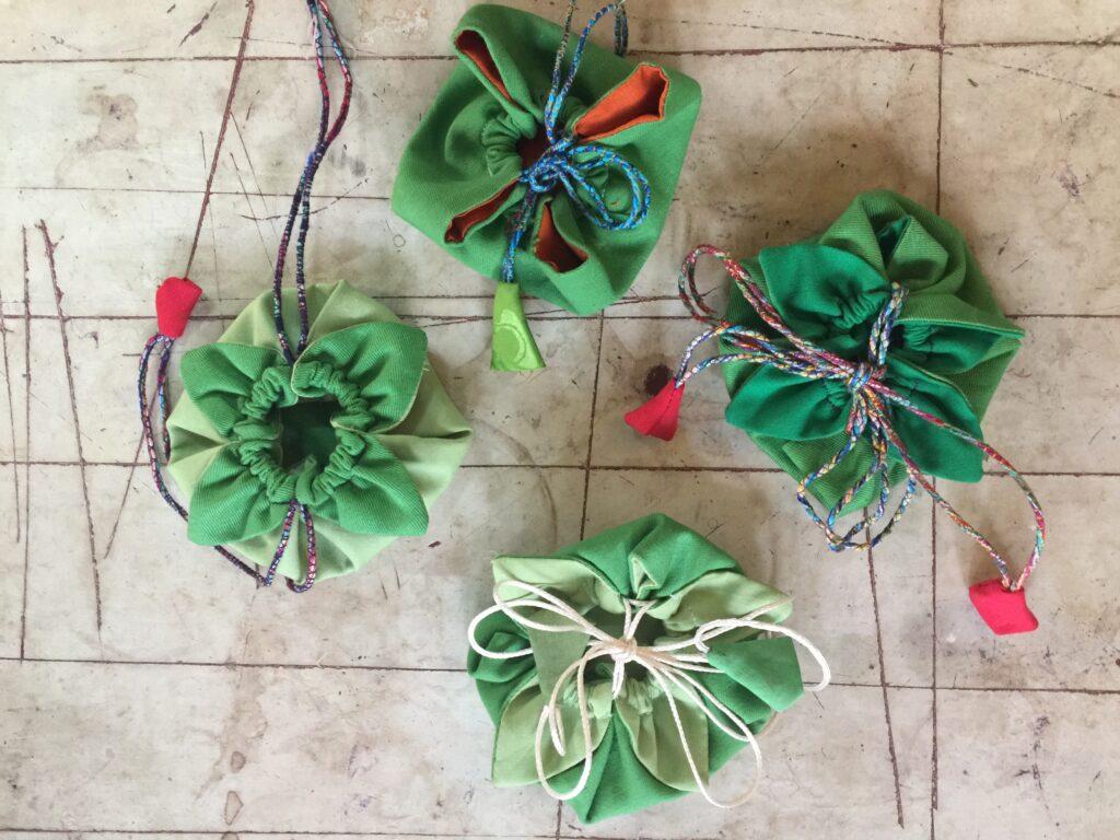 Blumentaeschchen