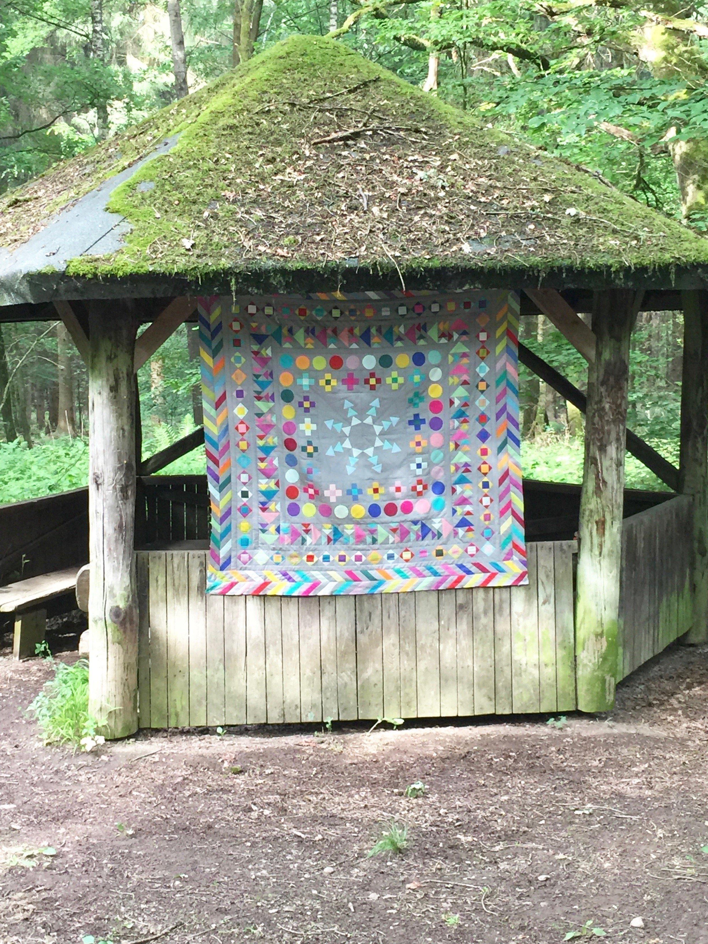 Quilt Medaillon Waldhütte