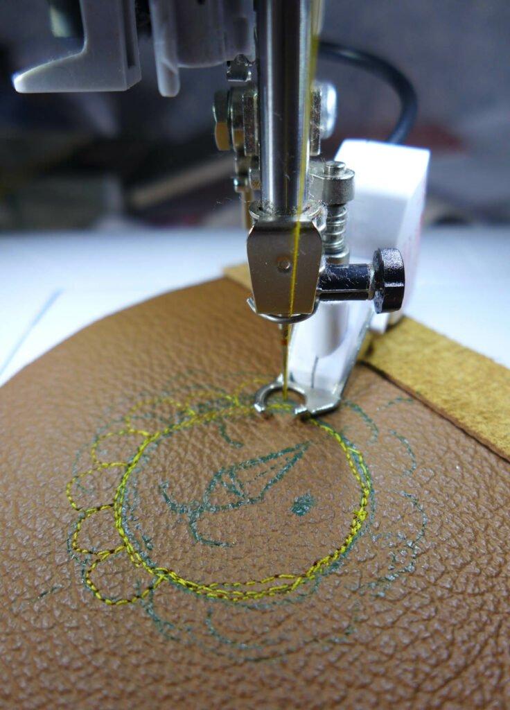 Sticken auf Leder mit BSR