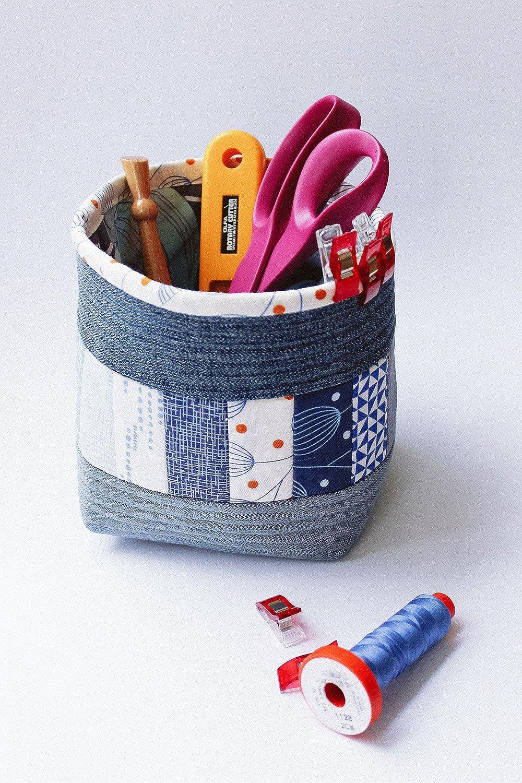n hanleitung f r ein stoffk rbchen mit recycelten jeans. Black Bedroom Furniture Sets. Home Design Ideas