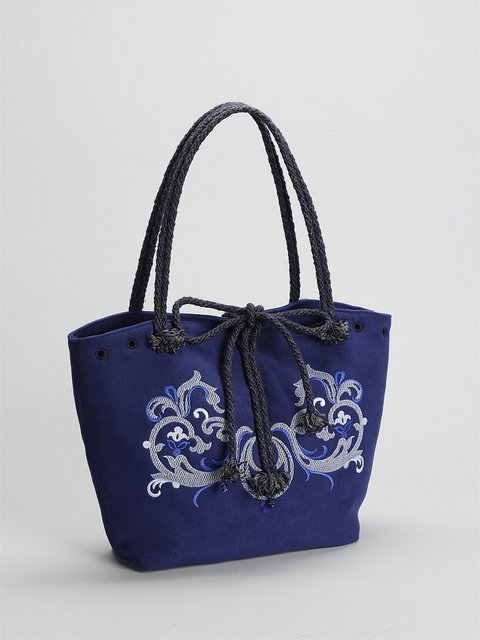 Tasche mit Kordelgriffen