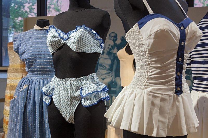 Das mondäne Sylt präsentiert sich in den maritimen Farben Weiss und Blau. Foto: LWL/Holtappels, freundlicherweise vom Museum zur Verfügung gestellt