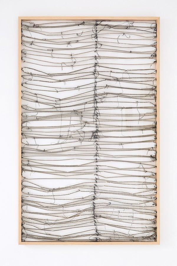 Angelika Frommherz: Jalousie, 2009 Acryl, Karton, Garn auf Papier 160 x 100 cm Foto: Fürcho GmbH, freundlicherweise von der Galerie zur Verfügung gestellt