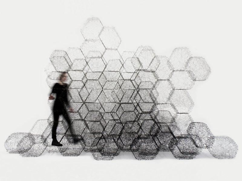 Stone Web Idalene Rapp und Natascha Unger, Modulare Wand, 2017. Die Module wurden mit Wickeltechnik geformt und mit Bioharz versteift. © weißensee kunsthochschule berlin Foto freundlicherweise vom Textilmuseum St. Gallen zur erfügung gestellt