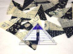 15 Dreiecke aus je zwei Stoffen