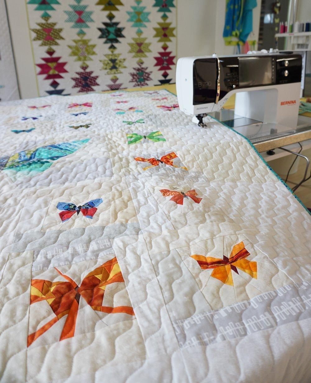 quilten mit der n hmaschine wellenlinien quilten bernina blog. Black Bedroom Furniture Sets. Home Design Ideas