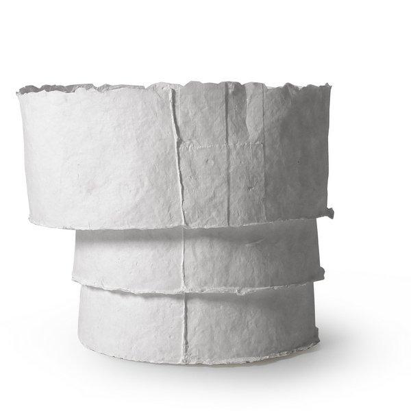 Kristina Rothe: Gefässobjekt 'Stufen', 2016 handgeschöpftes Papier aus Hanffasern Aufbautechnik, Abformung, 12 x 17 x 6 cm Foto: www.scippics.de, freundlicherweise vom Museum zur Verfügung gestellt