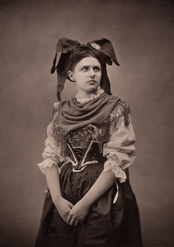 Adolphe Braun, Elsässerin, um 1871/72, Pigmentdruck © Münchner Stadtmuseum Foto freundlicherweise vom Museum zur Verfügung gestellt