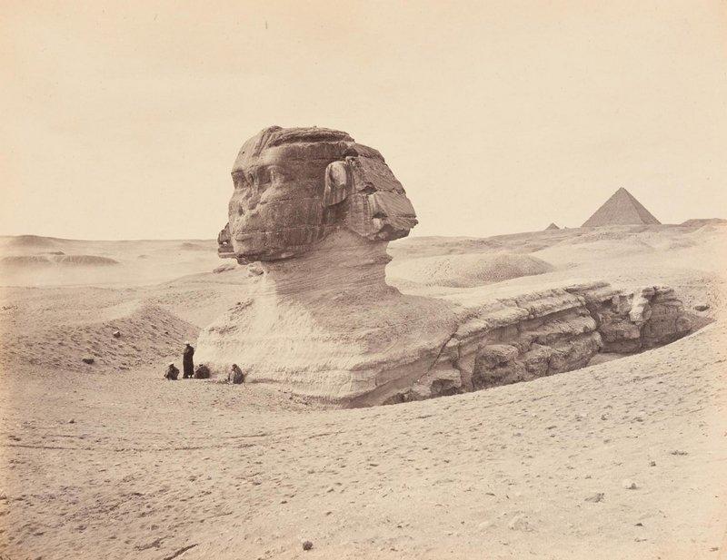 Gaston Braun und Amédée Mouilleron, Sphinx und Pyramiden von Gizeh, 1869, Albuminpapier © Münchner Stadtmuseum Foto freundlicherweise vom Museum zur Verfügung gestellt