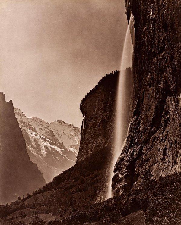 Adolphe Braun, Staubbachfall bei Lauterbrunnen, ca. 1875, Abzug um 1910, Pigmentdruck © Sammlung Christian Kempf, Colmar Foto freundlicherweise vom Museum zur Verfügung gestellt
